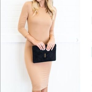 Dresses & Skirts - Form Fitted Midi Dress